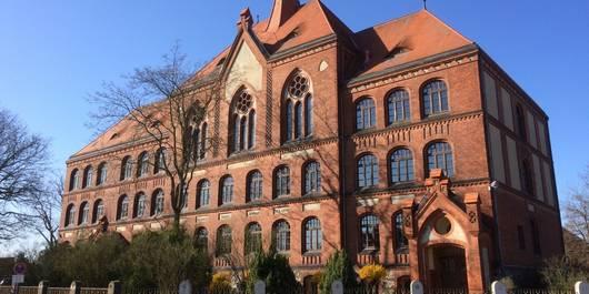 """Gemeinschaftsschule """"Wilhelm Wundt"""" in Tangerhütte, Schönwalder Straße 33"""