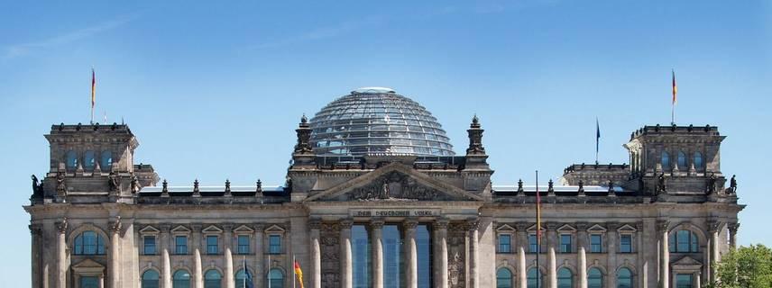 Der Reichstag in Berlin. Sitz des Deutschen Bundestages ©Bild von h kama auf Pixabay