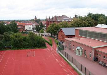 tangermuende   sportzentrum handballfeld